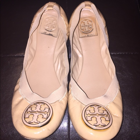 86aa1bd12d34 ✨SALE✨Tory Burch Caroline leather flats in nude. M 5b70e2e4f3036955e0e557c7